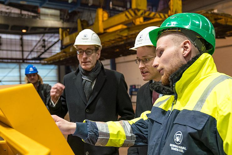 NOBISKRUG - Maritime Shipbuilding is key technology for Schleswig-Holstein - Minister President Daniel Günther visits GERMAN NAVAL YARDS KIEL